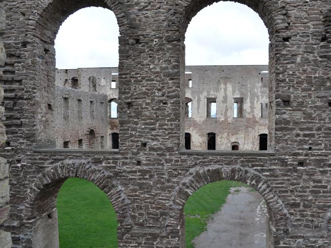 SW_3-Borgholm_Castle
