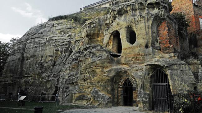Nottingham-cave--DncnH