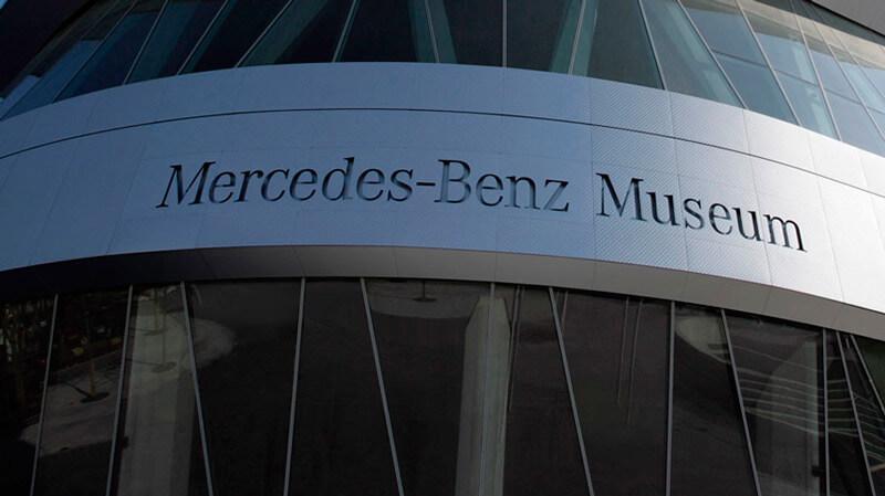 mercedes-museum-01
